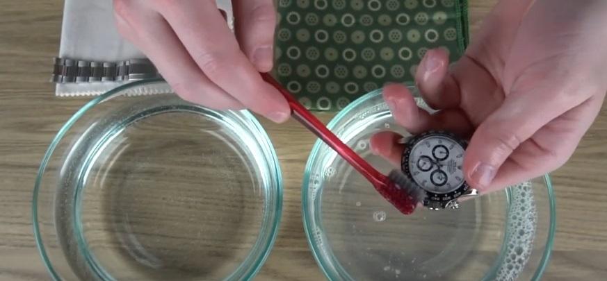 Jak správně dezinfikovat náramkové hodinky?