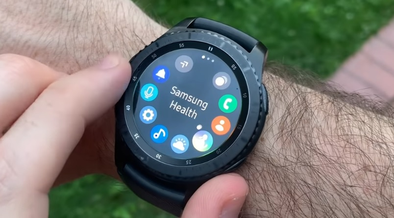 Recenze hodinek Samsung gear S3 frontier