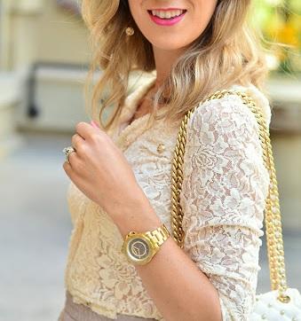 Zlaté hodinky se hodí hlavně k ženské eleganci