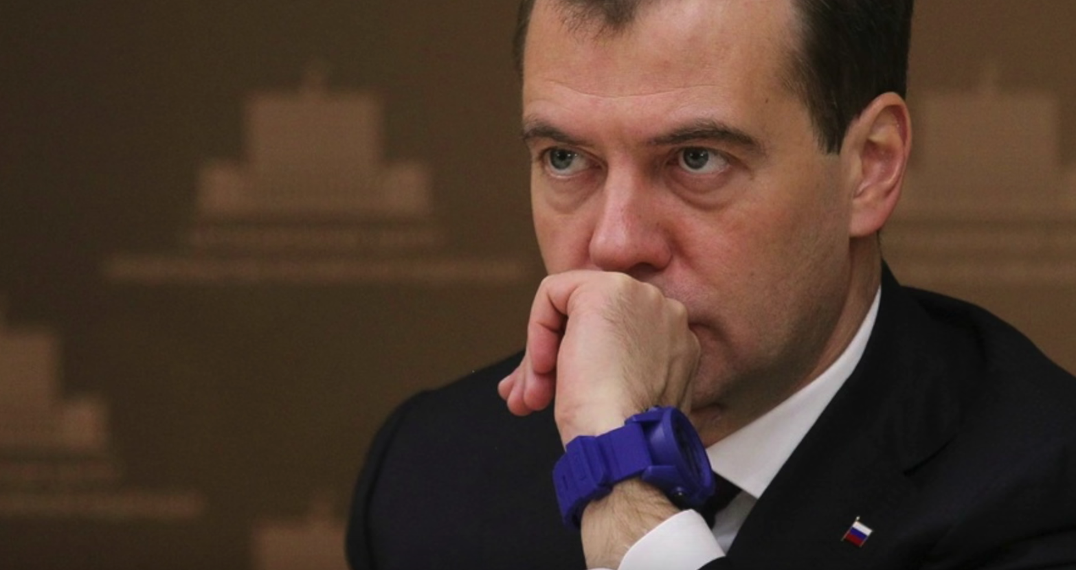 Třeba ruský politik Dmitrij Medveděv nezvolil hodinky úplně dobře