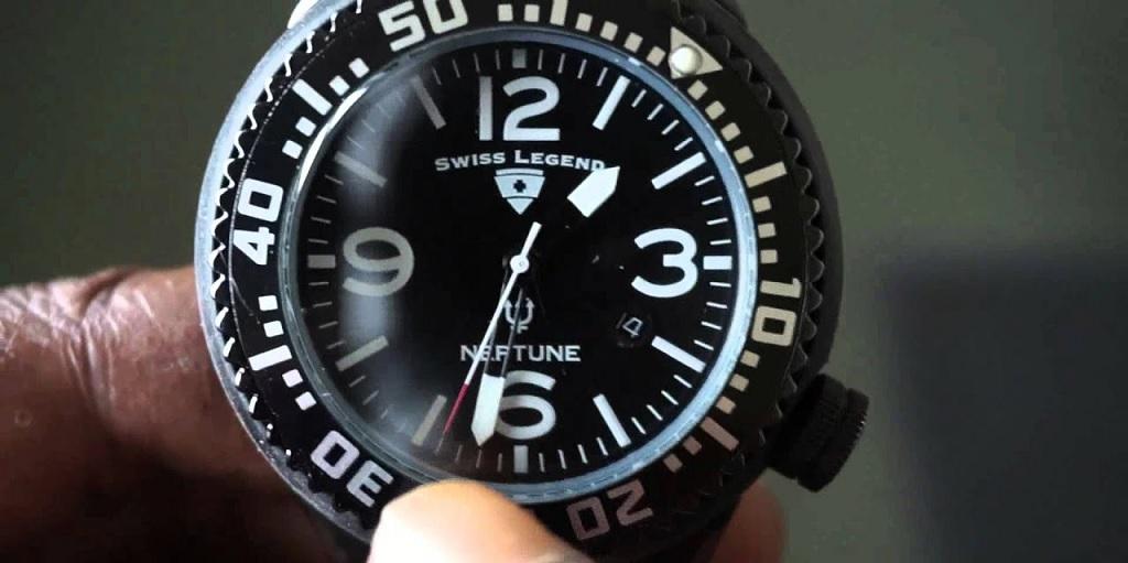 Luneta na hodinkách – na co tam je a k čemu se používá?
