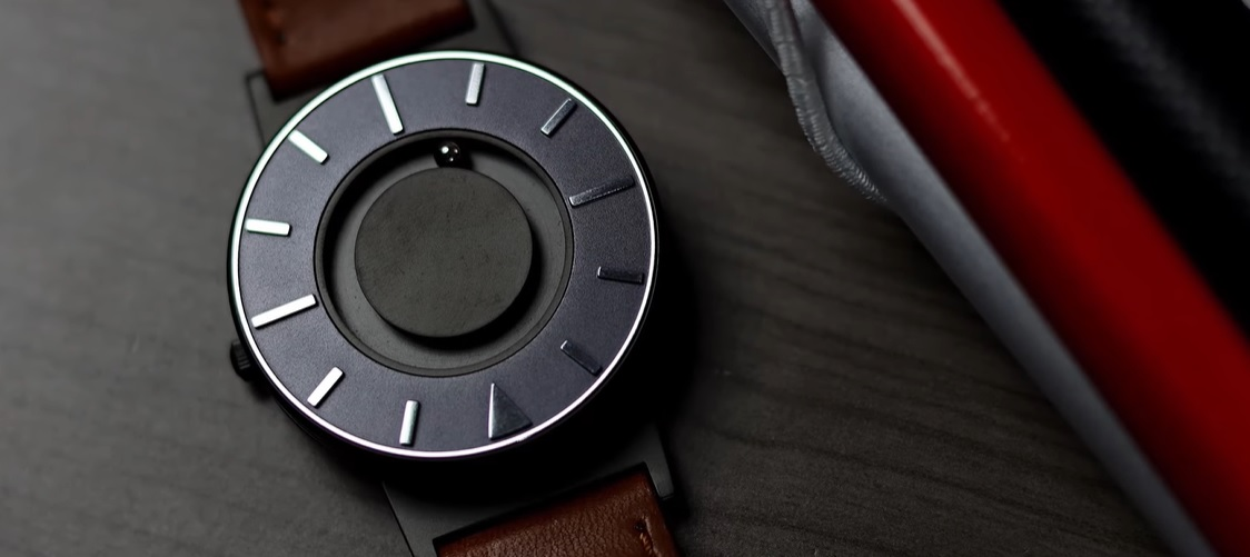 Hodinky Eone – unikátní hodinky nejen pro zrakově postižené