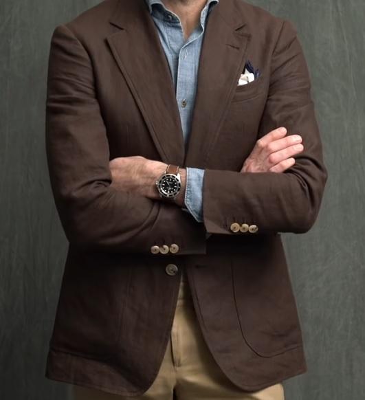 Vždy dbejte na dobré kombinace barev, když párujete hodinky a oblek