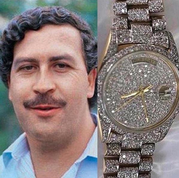 Takto vypadaly hodinky Pabla Escobara - byly vykládány diamanty