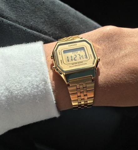 Pánské zlaté digitální hodinky