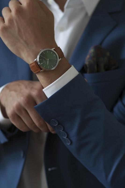 Pánské zelené hodinky s koženým řemínkem