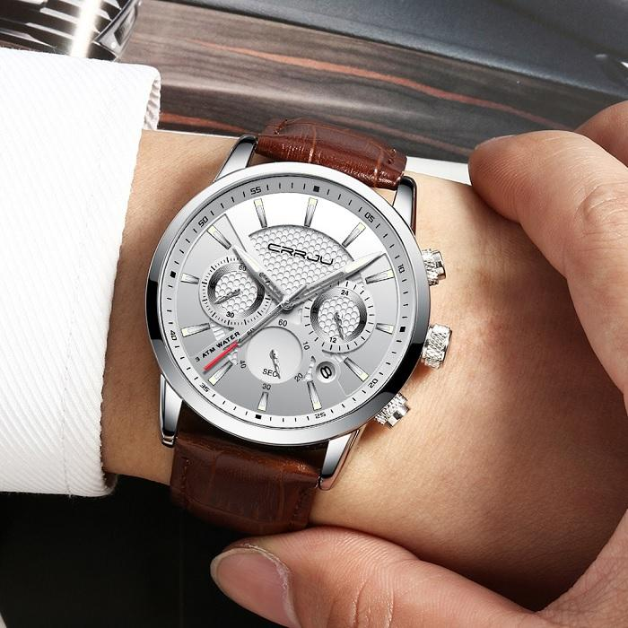 Pánské stříbrné hodinky s koženým řemínkem