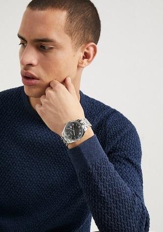 Pánské stříbrné hodinky se hodí i ke svetru